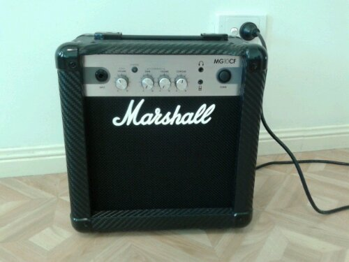 Marshall MG10CF amplifier