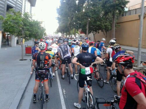 Mostly road bikes as far as the eye can see before the start